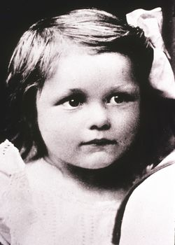 Erika Madauss 1906